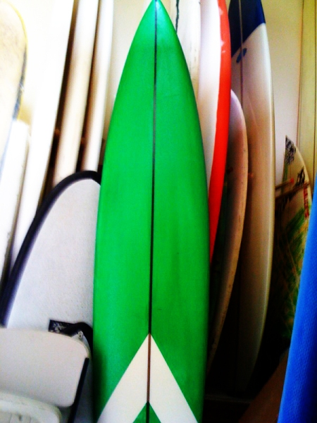 9'8 shaped by stu kenson. shaped and sprayed now waiting for glass! getting ready for winter 09/10